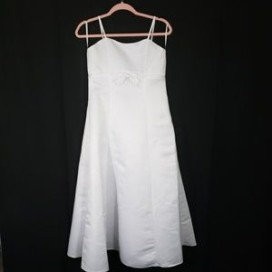 Girls Size 14 White Gown Dress Simple Beautiful
